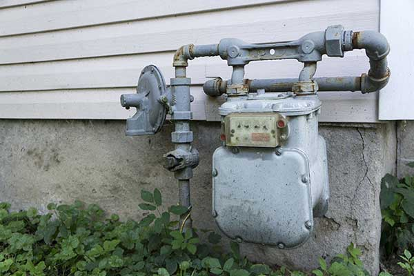 Gas Meters Explained - What Need to Know | Outside older meter