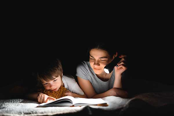 Power Outages What You Should Know | Children in dark