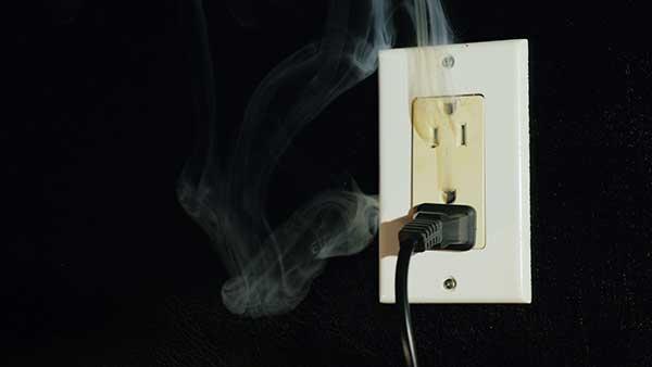 Power Surge Demonstration Bad Outlet
