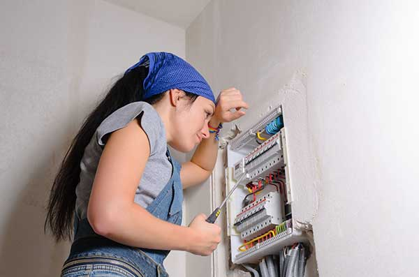 Residential Electrical Services | Electrician at Work